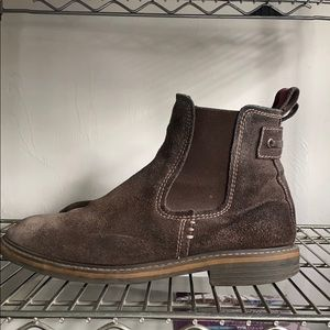 GH BASS BROWN SUEDE CHELSEA BOOTS